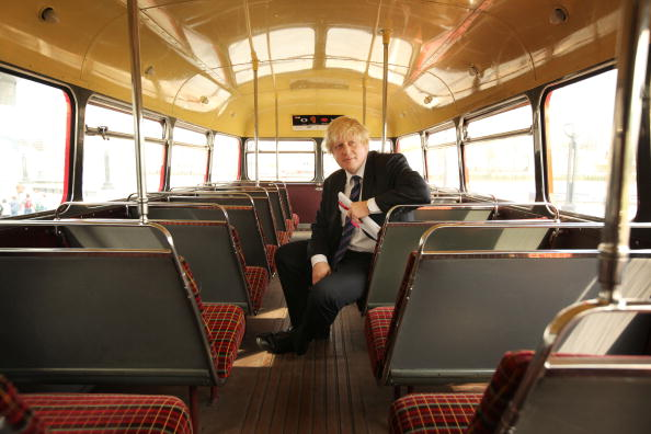 Bus「Mayor Boris Johnson Participates In St George's Day Celebrations」:写真・画像(11)[壁紙.com]