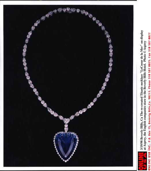 Necklace「The Re Created Titanic Necklace Le Coeur De La Mer」:写真・画像(0)[壁紙.com]