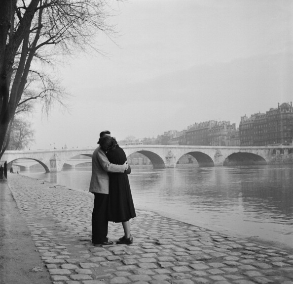 Attached「Romantic Paris」:写真・画像(11)[壁紙.com]