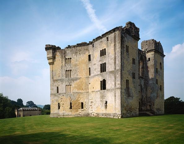 Circa 14th Century「Old Wardour Castle, near Tisbury, Wiltshire, c2000s(?)」:写真・画像(18)[壁紙.com]