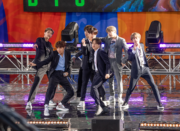 "Pop Music「BTS Performs On ""Good Morning America""」:写真・画像(19)[壁紙.com]"