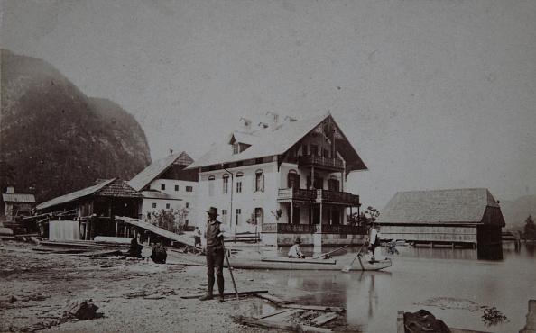 Salzkammergut「Steeg At Lake Hallstatt. Upper Austria. The Seeklause. About 1865. Carte-De-Visite Photograph By A. Elßenwenger. Goisern.」:写真・画像(1)[壁紙.com]