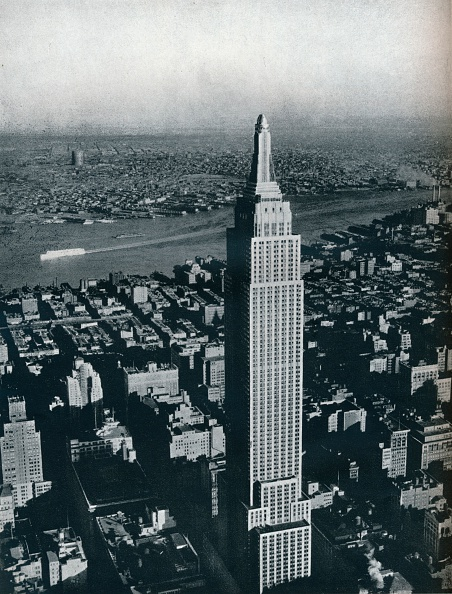 Empire State Building「'A superb photograph of the World's tallest building, the Empire State, New York City', c1940. Artist: Sherman Mills Fairchild.」:写真・画像(8)[壁紙.com]