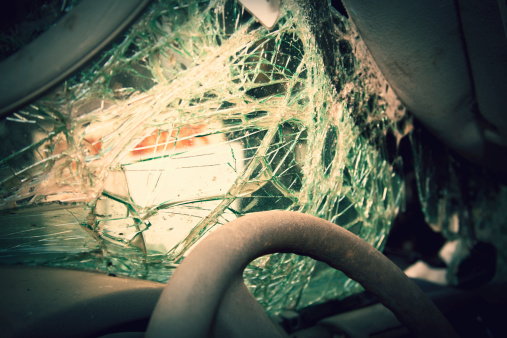 Misfortune「Shattered windshield after car crash. Vehicle accident. Broken glass.」:スマホ壁紙(4)