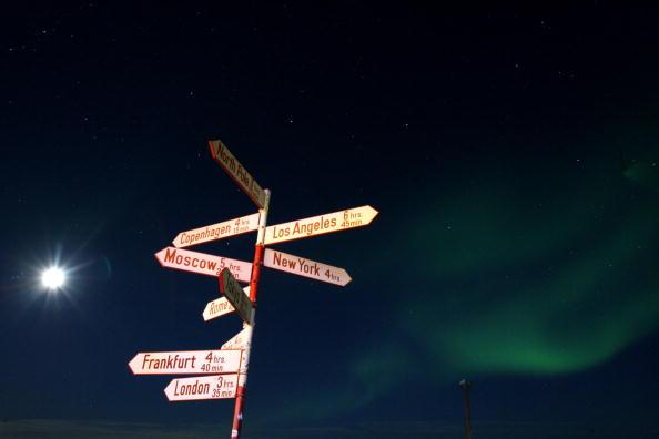 City Life「Greenland Ice-Cap Draws Global Warming Tourists」:写真・画像(17)[壁紙.com]
