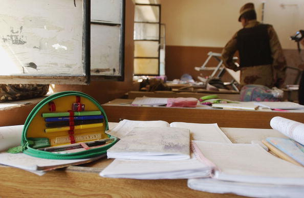 Pencil「Rocket Hits a Public School in Baghdad」:写真・画像(9)[壁紙.com]
