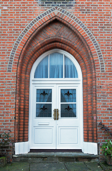 Colchester「Doorway to a home converted from a chapel, Colchester, UK」:写真・画像(8)[壁紙.com]
