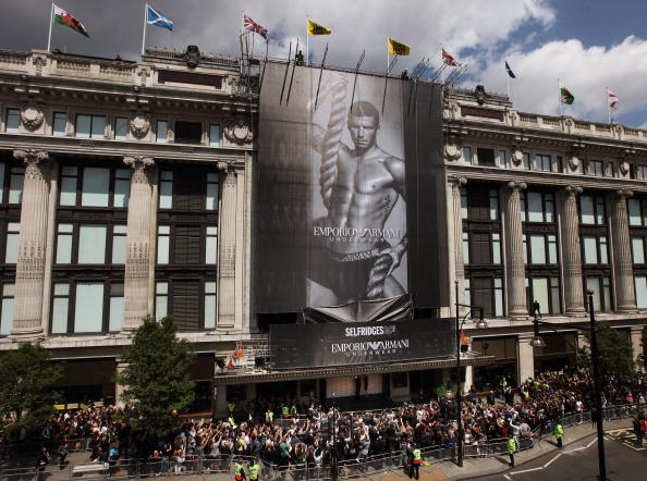 Selfridges「David Beckham Reveals Autumn/Winter Armani Underwear Campaign」:写真・画像(18)[壁紙.com]