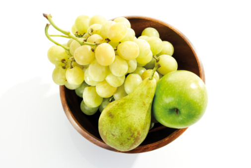 Pear「Grapes, pear and apple in wooden bowl, elevated view」:スマホ壁紙(6)