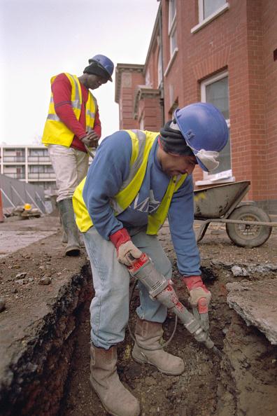 Effort「Maintenance work on a Council Estate, East London, England.」:写真・画像(13)[壁紙.com]