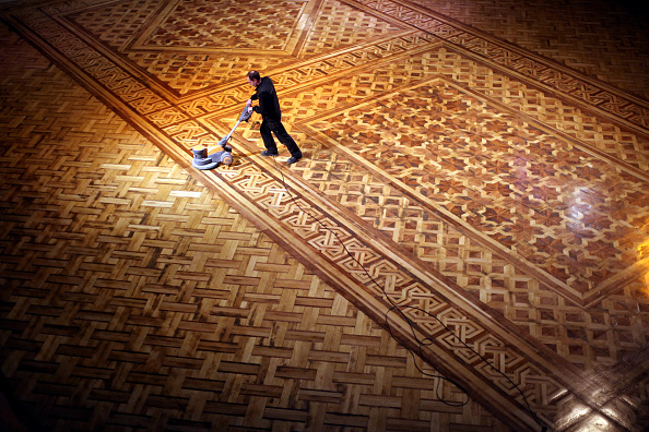 Parquet Floor「Cleaners Give Blackpool Tower Ballroom A Good Spring Clean」:写真・画像(9)[壁紙.com]