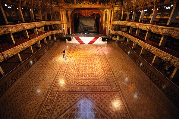 Parquet Floor「Cleaners Give Blackpool Tower Ballroom A Good Spring Clean」:写真・画像(10)[壁紙.com]