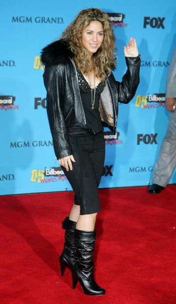 Curly Hair「2005 Billboard Music Awards - Arrivals」:写真・画像(3)[壁紙.com]
