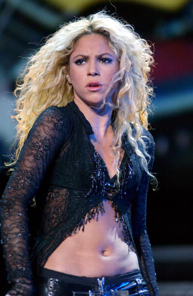 Wavy Hair「Shakira In Concert At The Bullring Of Las Ventas Madrid」:写真・画像(7)[壁紙.com]