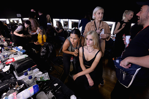 London Fashion Week「Tommy Hilfiger TOMMYNOW Fall 2017 -  Backstage」:写真・画像(11)[壁紙.com]