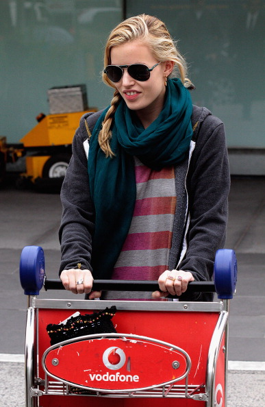 Aviator Glasses「Georgia May Jagger Arrives At Melbourne Airport」:写真・画像(3)[壁紙.com]