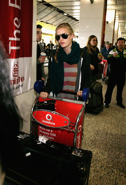 Aviator Glasses「Georgia May Jagger Arrives At Melbourne Airport」:写真・画像(2)[壁紙.com]