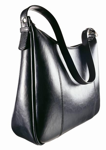 A black leather zipper top handbag:スマホ壁紙(壁紙.com)