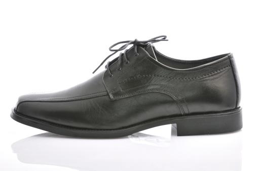 Well-dressed「Black leather shoes」:スマホ壁紙(11)