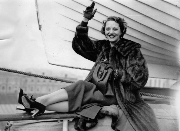 Comedy Film「Gertrude Lawrence. English actress, singer and musical comedy performer. At the departure from Southampton (Ship Acquitania). October 7th 1936. Photograph. (Photo by Imagno/Getty Images) Gertrude Lawrence. Britisch-dänische Film- und Broadway-Schauspieler」:写真・画像(10)[壁紙.com]