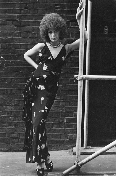 Brick Wall「Evening Dress By Ossie Clark」:写真・画像(9)[壁紙.com]