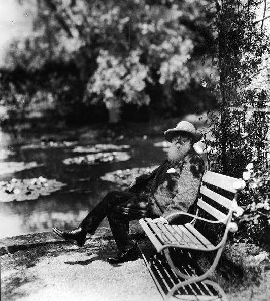 France「Claude Monet Sitting On Park Bench」:写真・画像(10)[壁紙.com]