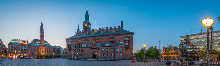 Danish Culture「Copenhagen City Hall Radhuspladsen square panorama illuminated at sunrise Denmark」:スマホ壁紙(18)