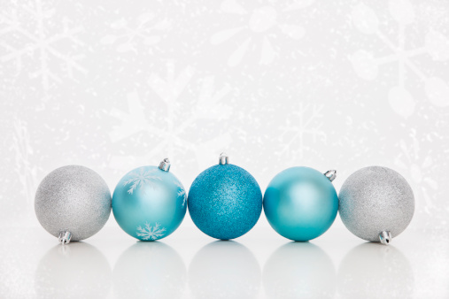 クリスマスボール「USA, Illinois, Metamora, Blue and silver christmas baubles」:スマホ壁紙(12)