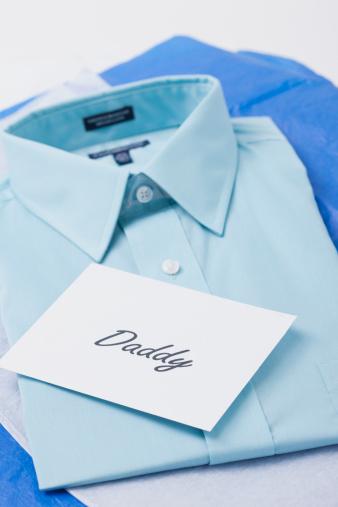 父の日「USA, Illinois, Metamora, Blue shirt with 'daddy' tag」:スマホ壁紙(4)