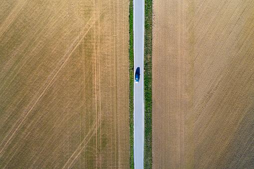 田畑「Road from above through agricultural fields」:スマホ壁紙(10)