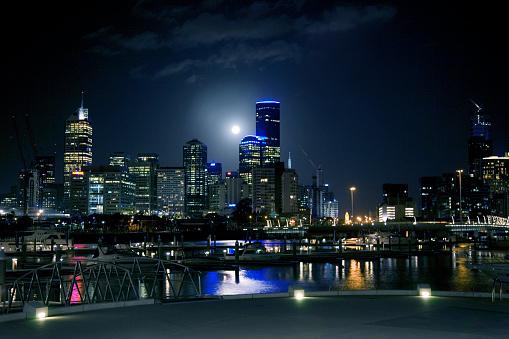 Melbourne Docklands「Full Moon over Melbourne」:スマホ壁紙(13)