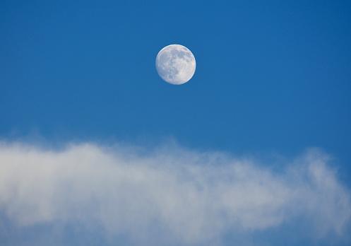 Moon「Full moon on blue sky」:スマホ壁紙(15)