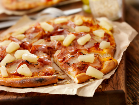 Focus On Foreground「Hawaiian pizza」:スマホ壁紙(6)