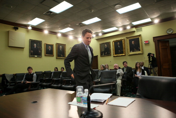 Alex Wong「Geithner Testifies At House Hearing On Treasury Budget」:写真・画像(14)[壁紙.com]