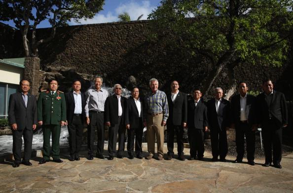 Hen「Defense Secretary Hagel Attends US-ASEAN Defense Forum In Hawaii」:写真・画像(14)[壁紙.com]