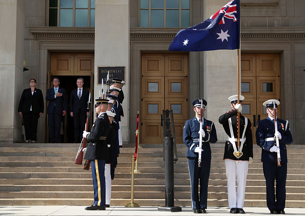 Virginia - US State「Ash Carter Hosts Australian Defense Minister At The Pentagon」:写真・画像(6)[壁紙.com]