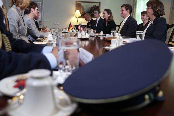 Alex Wong「Defense Secretary Mark Esper Meets With Germany Defense Minister Annegret Kramp-Karrenbauer At The Pentagon」:写真・画像(8)[壁紙.com]