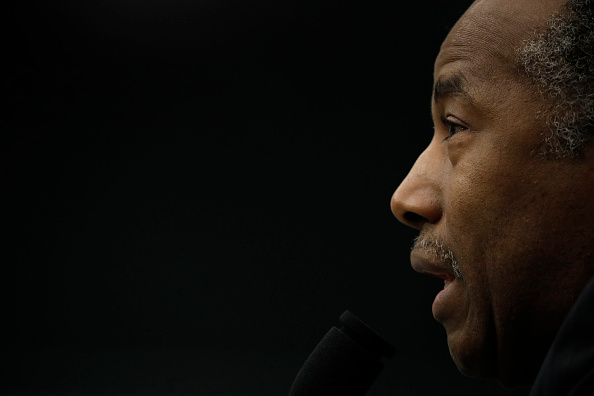 Aaron P「Housing And Urban Development Secretary Ben Carson Testifies To House Committee On Department's Budget」:写真・画像(1)[壁紙.com]