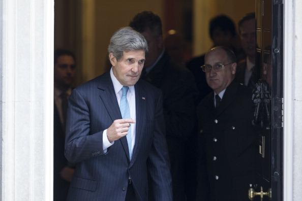 John Kerry「Secretary Of State John Kerry Meets Russian Foreign Minister Sergey Lavrov In London」:写真・画像(2)[壁紙.com]