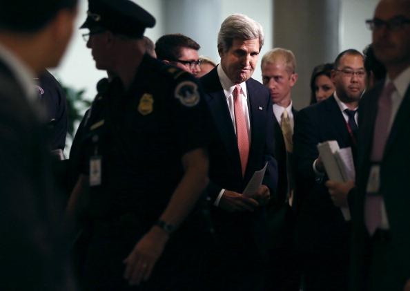 John Kerry「John Kerry Briefs Senators On Capitol Hill On Syria」:写真・画像(5)[壁紙.com]