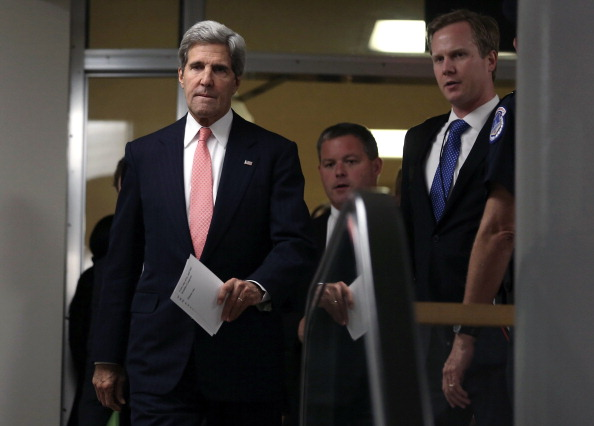 John Kerry「John Kerry Briefs Senators On Capitol Hill On Syria」:写真・画像(6)[壁紙.com]