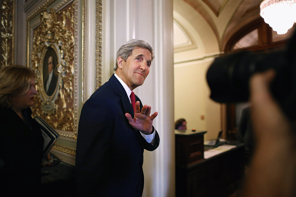 John Kerry「Secretary Of State Kerry Meets With Lawmakers On Capitol Hill Regarding Migrant Crisis」:写真・画像(4)[壁紙.com]