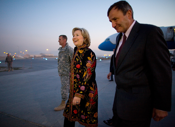 Kabul「Hillary Clinton Arrives In Kabul For Karzai Inauguration」:写真・画像(16)[壁紙.com]