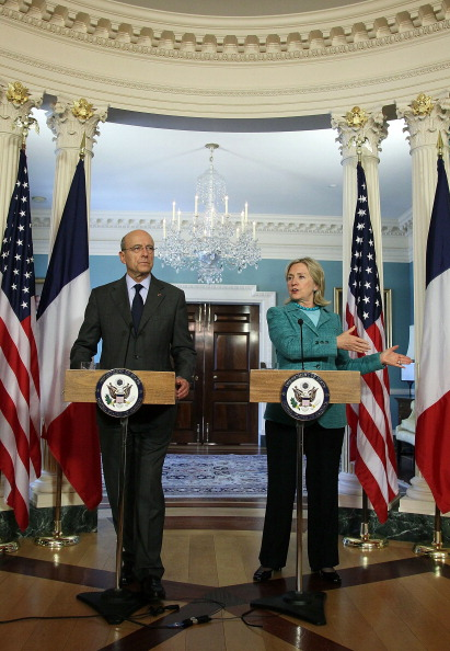 Participant「Clinton Meets With French Foreign Minister Juppe」:写真・画像(18)[壁紙.com]