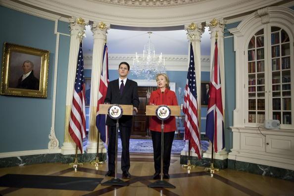 Joshua Roberts「Clinton Meets With UK Foreign Secretary」:写真・画像(13)[壁紙.com]