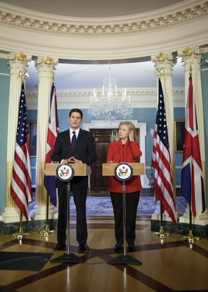 Joshua Roberts「Clinton Meets With UK Foreign Secretary」:写真・画像(12)[壁紙.com]