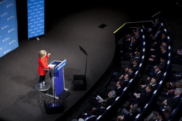 Joshua Roberts「Hillary Clinton Gives Speech On Internet Freedom」:写真・画像(5)[壁紙.com]