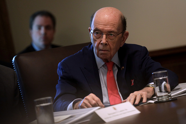 Wilbur Ross「President Donald Trump Meets With His Cabinet At The White House」:写真・画像(4)[壁紙.com]