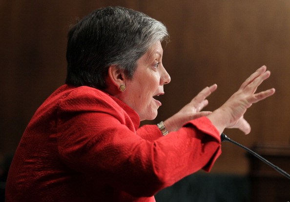 Alex Wong「Napolitano Testifies At Senate Hearing On Immigration And Citizenship」:写真・画像(9)[壁紙.com]