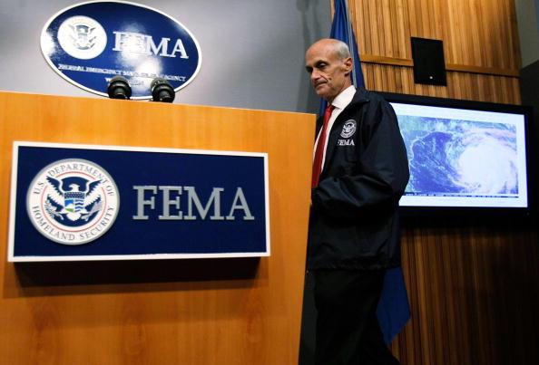 Hurricane Ike「Chertoff And FEMA Hold Briefing On Hurricane Ike Preparations」:写真・画像(6)[壁紙.com]